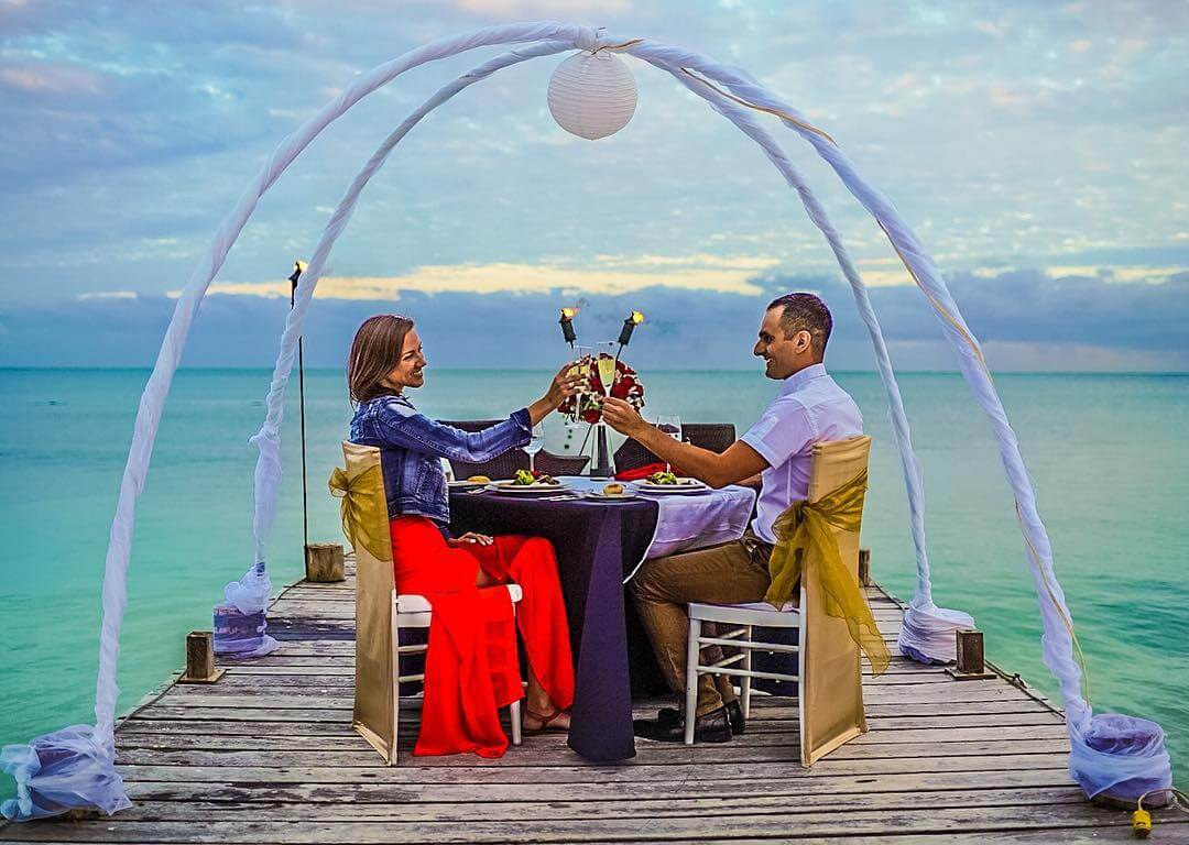 romantic dinner secrets capri resort amenity upgrade vacation travel couple love romance secretscapri