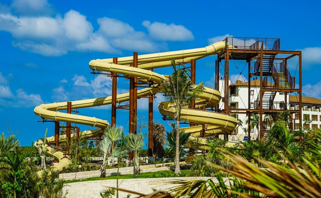 dreams playa mujeres, waterslides, waterpark, lazy river, resort, spa, couples, golf