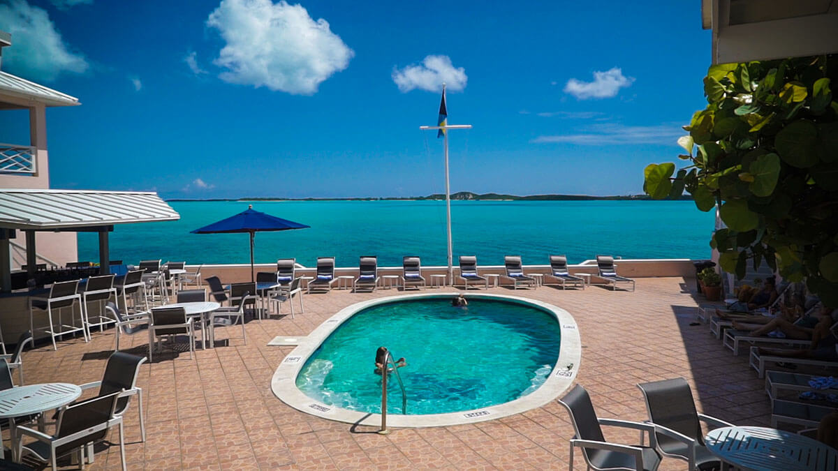 Georgetown Peace & Plenty Pool Things to do in Exuma