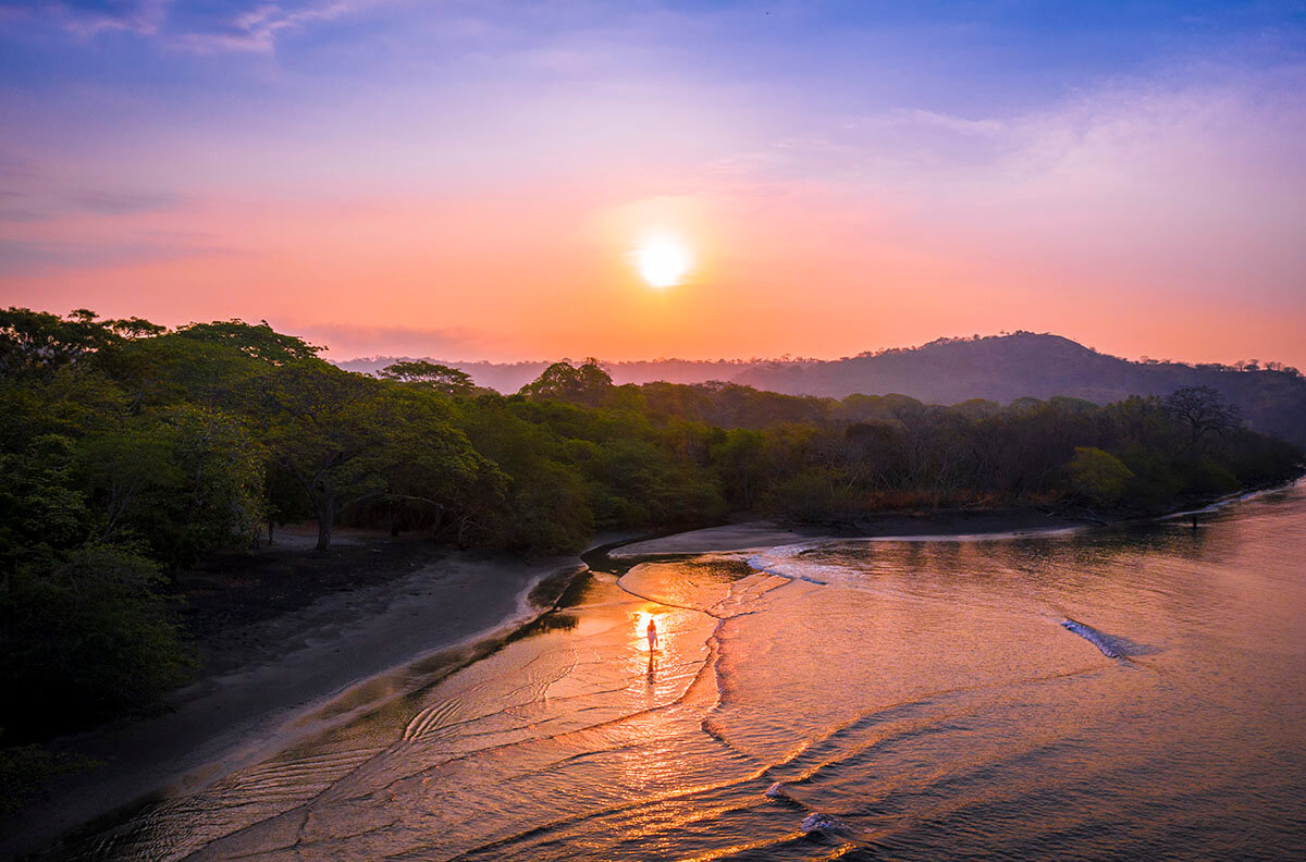 pinterest-planet-hollywood-beach-reasort-costa-rica-beach-sunrise-morning-beach-vacation-couple