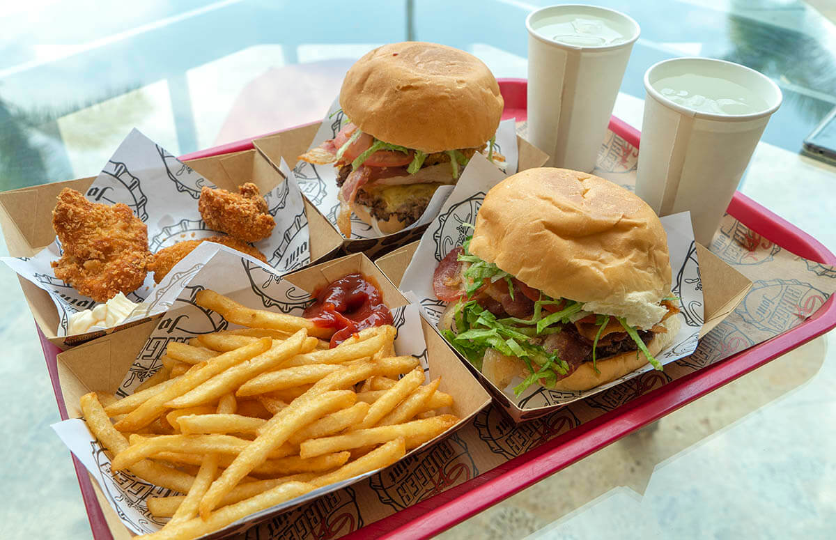 planet-hollywood-beach-resort-costa-rica-review-guys-burger-joint-burgers-fries-chicken