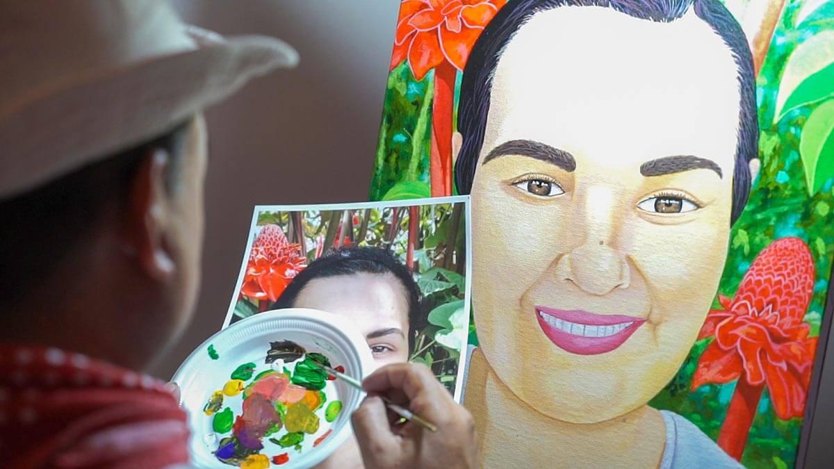 planet hollywood costa rica pura vida festival painter